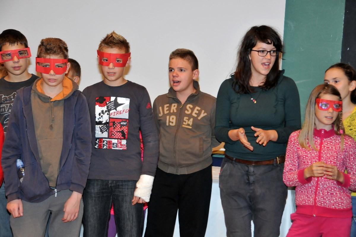 Osnovnoškolci prikazuju odraslima što oni vide kroz svoje naočale